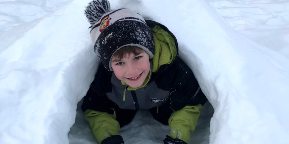 What's good about Winter…..Building snow forts of course!